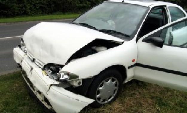 Como o condutor deve proceder em caso de acidente sem vítimas