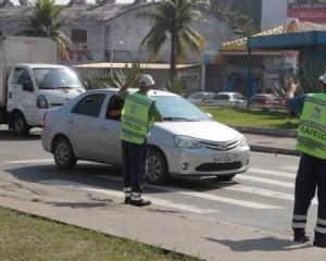 Som que possa ser ouvido do lado de fora do carro vai render cinco pontos na carteira e multa