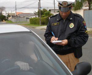 camara-analisa-projeto-que-aumenta-valor-da-multa-para-quem-dirigir-sem-ter-habilitacao