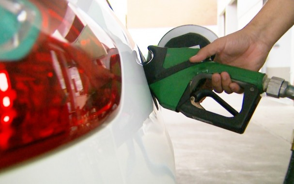 preco-da-gasolina-sobe-19-na-semana-e-bate-novo-recorde-no-ano-diz-anp