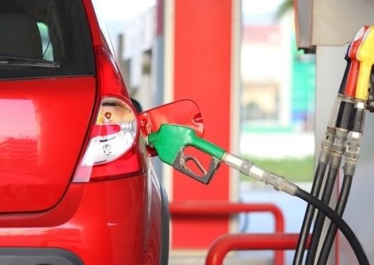projeto-quer-proibir-carros-a-diesel-e-a-gasolina-no-brasil