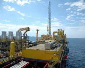 Petrobras eleva preço da gasolina nas refinarias após 5 quedas seguidas