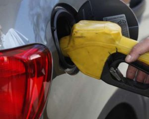 Petrobrás reduzirá preços de diesel e gasolina nas refinarias a partir de quarta-feira