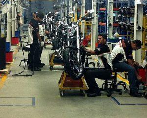 Produção de motos cresce 37,3% em abril, diz Abraciclo