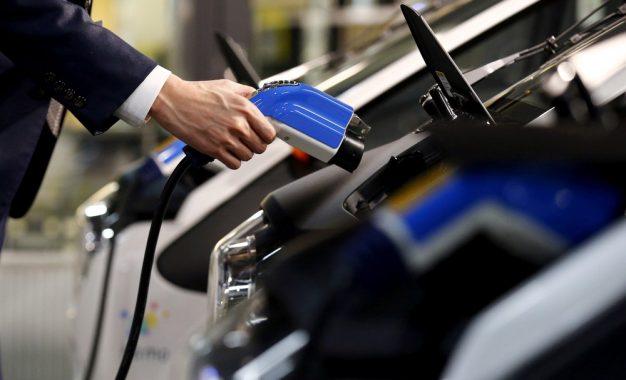 Distribuidoras de energia não serão responsáveis por dano em carro elétrico