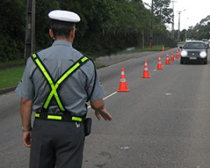 Contran suspende Resolução que determinava a identificação de agente de trânsito que aplicou multa