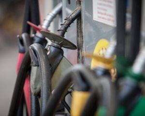 Preço do litro da gasolina e do diesel sobe nos postos, diz ANP