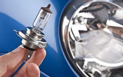 Lâmpadas de faróis e lanternas: cuidados essenciais na troca