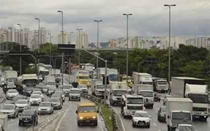 Três em cada quatro brasileiros não planejam gastos com transporte