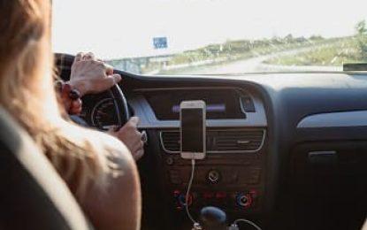 6 principais infrações que você precisa evitar ao viajar de carro nas férias