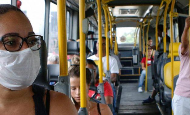 Prefeitura de SP aumenta frota de ônibus em circulação pelo 4º dia seguido após lotação de passageiros
