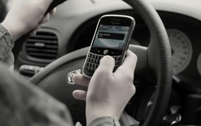 Infração de Trânsito – Por que insistimos no erro de usar o celular ao volante?