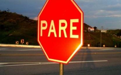Desrespeito à sinalização causa 7,5 mil acidentes no trânsito em 2014