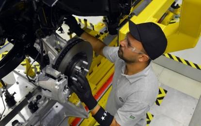 Produção de veículos sobe 42% no Brasil em outubro, diz Anfavea