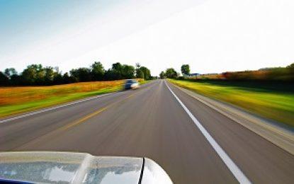 Cinco motivos para respeitar os limites de velocidade das vias, além da multa
