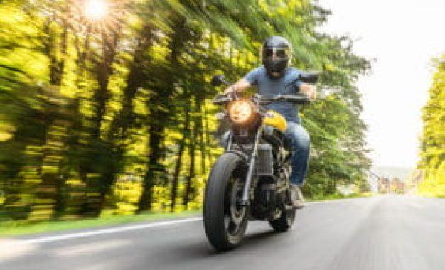 Uso de luzes em motocicletas: veja novas regras