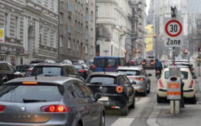 Por que as cidades estão diminuindo os limites de velocidade em vias urbanas?