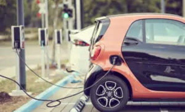 Brasil estima ter em torno de 28 mil veículos eletrificados em 2021